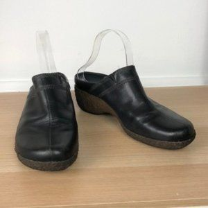TIMBERLAND black leather slip on shoes size 9.5